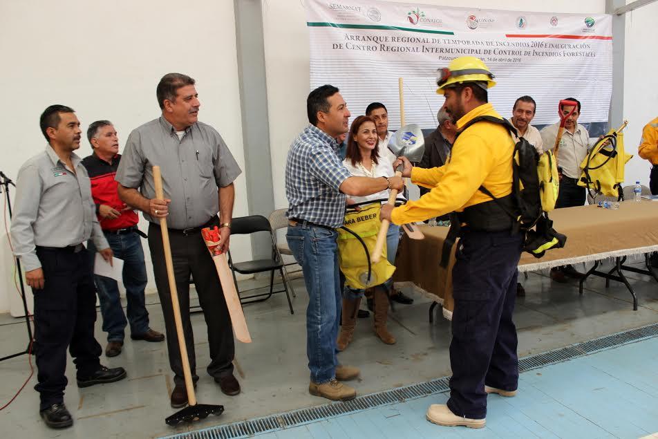 Actualmente en el estado tenemos 418 incendios forestales con alrededor de 6 mil hectáreas afectadas; Michoacán es el tercer lugar nacional en incendios forestales y el segundo lugar en superficie afectada
