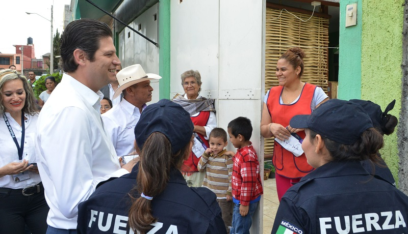 Martínez Alcázar estuvo acompañado de miembros de su gabinete para escuchar y atender las inquietudes ciudadanas
