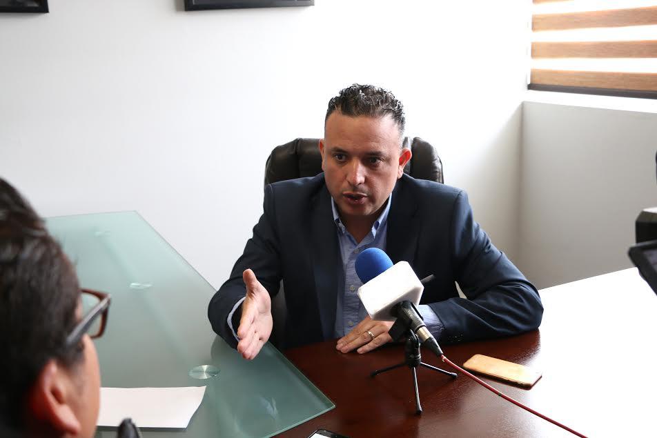 Quintana Martínez refrendó su apoyo al gobierno estatal para cumplir con el mandato federal emitido en contra de aquellos profesores que se rehúsen a participar y boicotean esta prueba