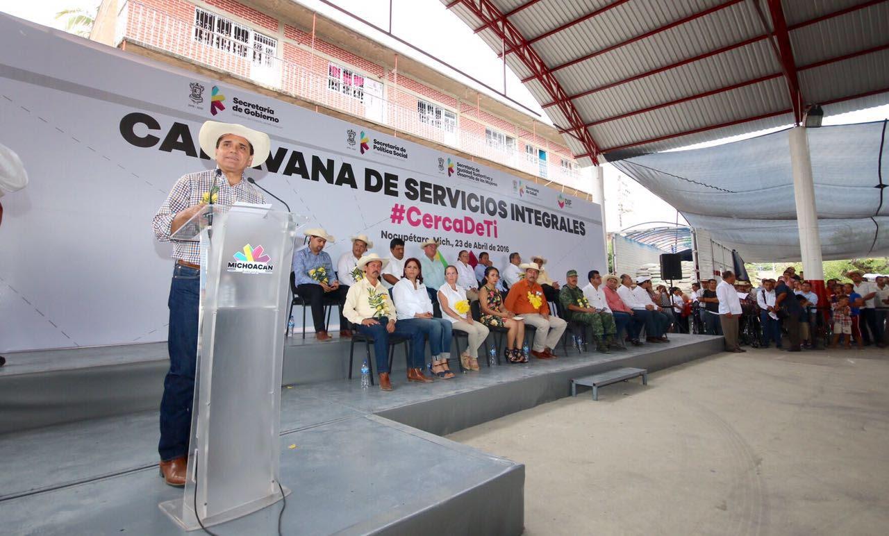 Arrancó de manera simbólica el programa de Apoyo para Adquisición de Fertilizante Químico, beneficiando con 400 toneladas a los productores de esta región, con una inversión de un millón 448 mil pesos