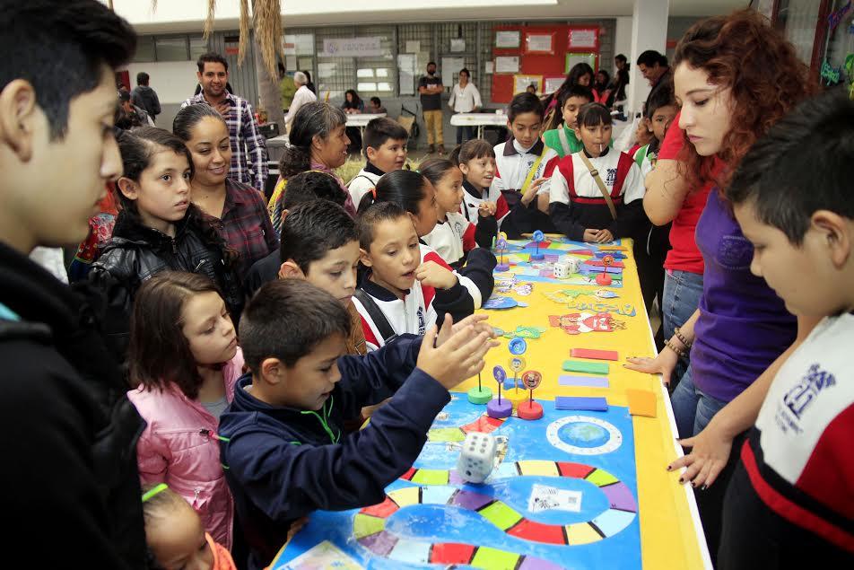 Entre familias y alumnos se reciben alrededor de 20 mil visitantes