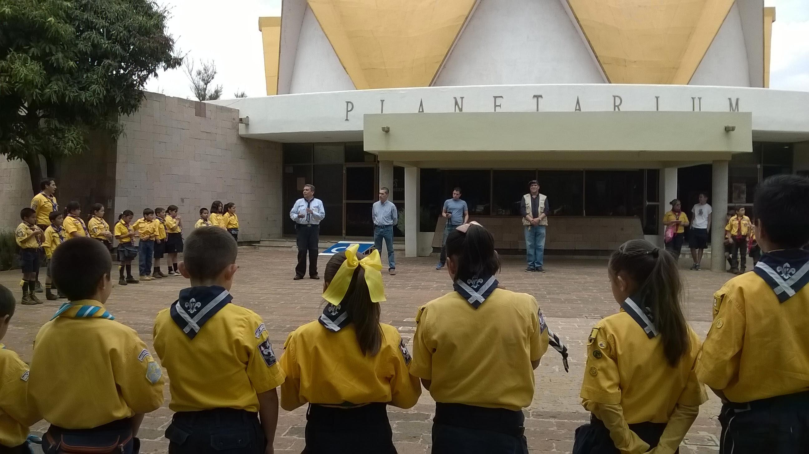Entre las actividades que los integrantes de la ASMAC realizaron en el Centro de Convenciones de Morelia, destaca que presenciaron la función Constelaciones del Planetario y que visitaron el  Orquidario