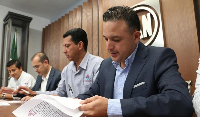 """Quintana Martínez explicó que está decisión surge """"porque estamos decididos a sumarnos para combatir la pobreza en Michoacán y procurar el bien social en todas las comunidades"""""""