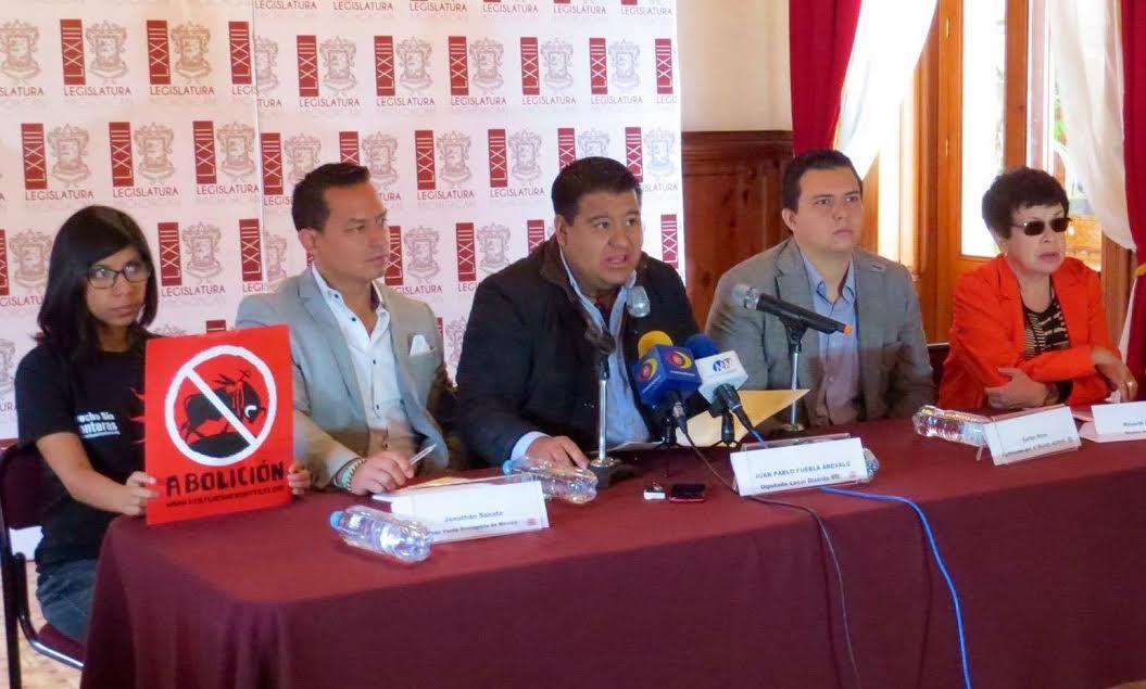 Puebla Arévalo expuso las razones que dieron origen a esta iniciativa y la trascendencia que esta tiene para la causa animalista
