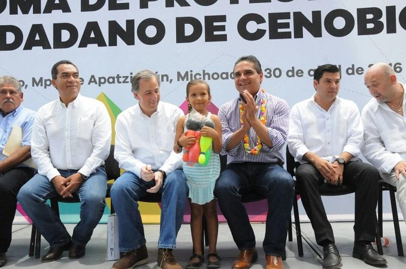 Aureoles Conejo tomó protesta al Comité Ciudadano de la comunidad de Cenobio Moreno
