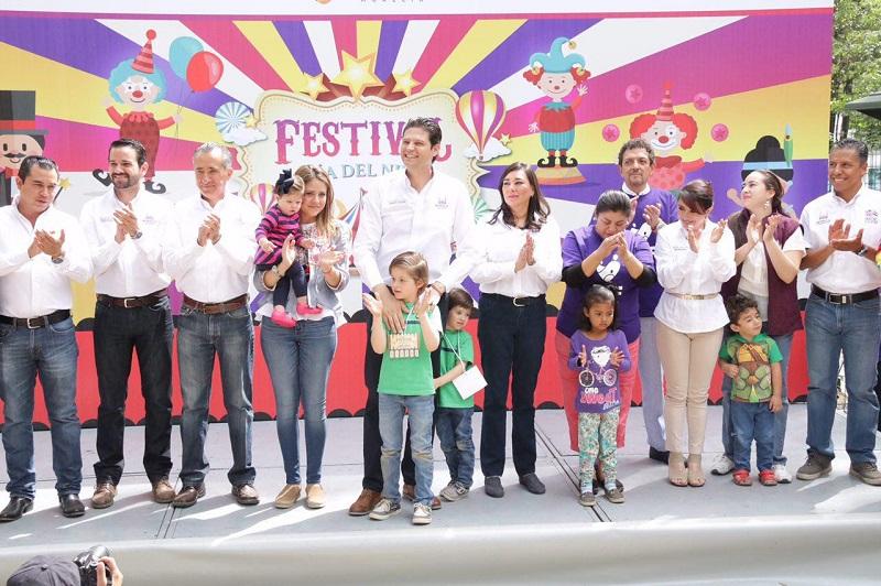 Chicos y grandes disfrutaron de las actividades que el DIF Municipal preparó para celebrar este día en el Bosque Cuauhtémoc