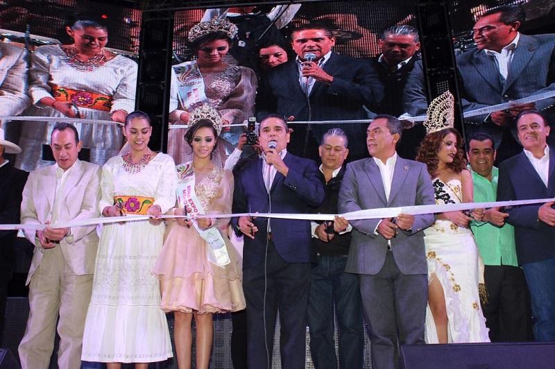 La Banda El Recodo abrió el Teatro del Pueblo, para el disfrute de miles de michoacanos