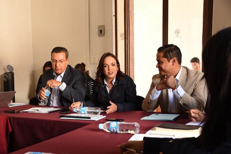 Villanueva Cano consideró oportuno que este Parlamento retome su interés de formación académica y sea el medio idóneo para que los jóvenes michoacanos expresen sus opiniones