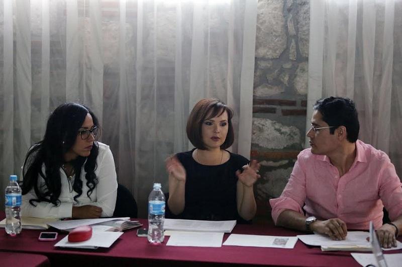 En otros asuntos, y derivado del dictamen de Ha Lugar al tema del Fuero, los integrantes de esta Comisión coincidieron en la necesidad de abrir foros para la participación académica y ciudadana