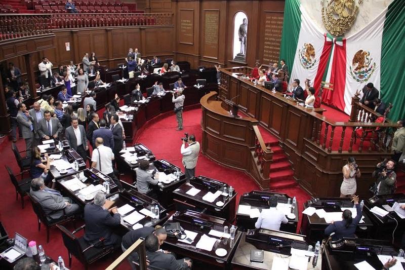 También se acordó citar a los titulares de SEMARNACC, COFOM y PROAM, a comparecer ante el Poder Legislativo a fin de informar sobre los pormenores