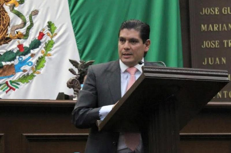 Núñez Aguilar planteó que los jóvenes parlamentarios puedan tener algunos privilegios por su desempeño en el año que realizan actividades