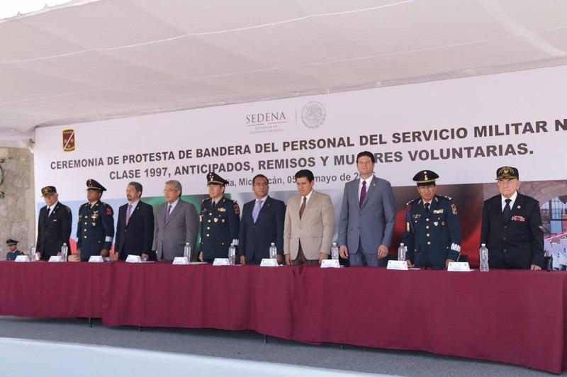 A la ceremonia acudieron también el presidente de la Mesa Directiva del Congreso del Estado, Raymundo Arreola Ortega, el Presidente del Supremo Tribunal de Justicia del Estado, Marco Antonio Flores Negrete