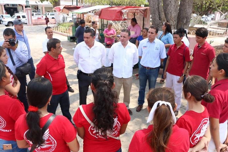 Así y con el Programa Misión Futuro, el diputado del PAN reafirmó el empeño que ha puesto en respaldar a los niños y jóvenes michoacanos: Eduardo García Chavira