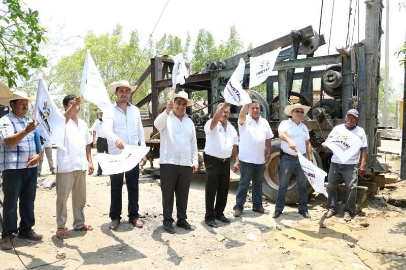 Desde que Elías Ibarra asumió el cargo de presidente municipal se arrancó con un programa de obras de perforación y equipamiento de pozos profundos en distintas comunidades de Huetamo