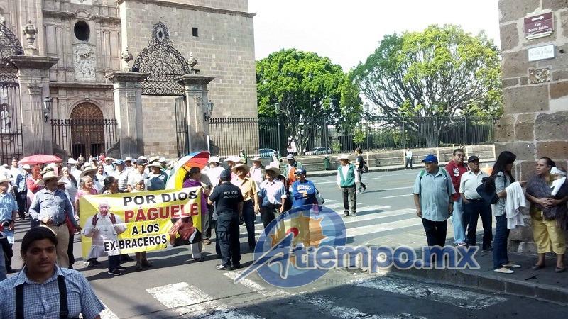 Para las 13:00 horas, la Avenida Madero ya había sido liberada, sin embargo, según reportes extraoficiales para entonces ya se había cancelado la grabación de promocionales de Marco Antonio Solís en exteriores (FOTO: MARIO REBO)