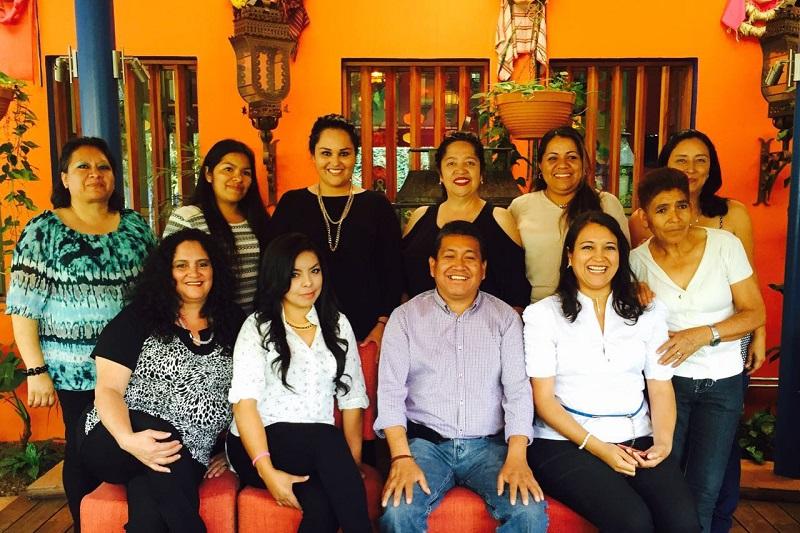 Ángel Alonso también reconoció a todas las madres que viven entre pueblos originarios por su inapreciable presencia