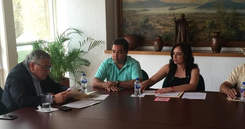 Diputados del PRI y líderes mezcaleros se reunieron con el Secretario de Finanzas del Gobierno estatal Carlos Maldonado
