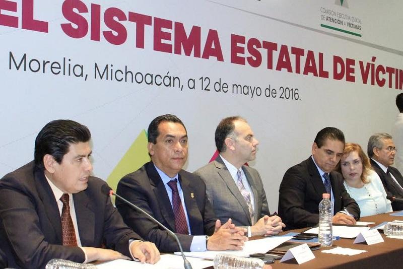 Lo anterior en el marco de la instalación y toma de protesta a los integrantes del Nuevo Sistema Estatal de Víctimas que preside el gobernador Silvano Aureoles
