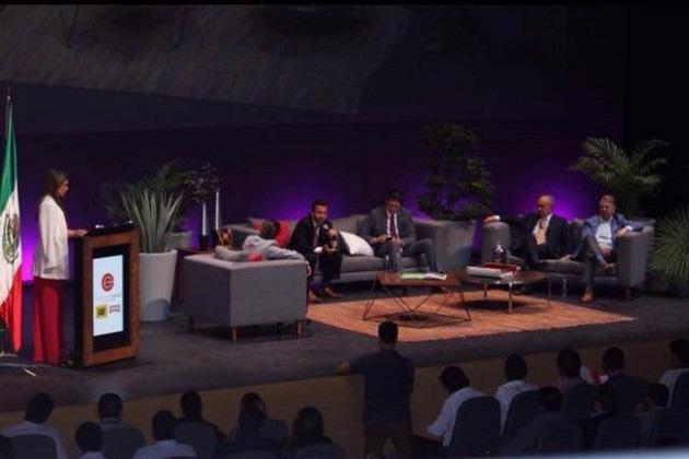 El presidente municipal participó en el Congreso Internacional Emprendimiento Jóvenes, en Guadalajara, Jalisco