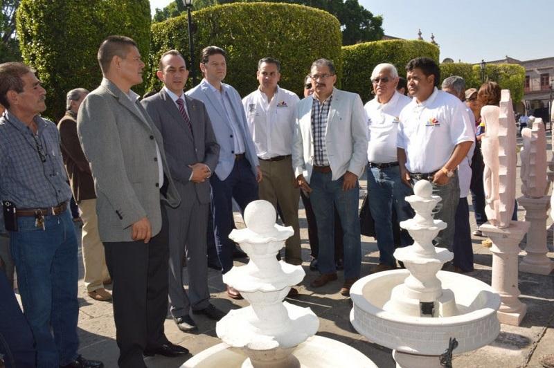 Desde este viernes y hasta el próximo 22 de mayo los visitantes podrán admirar y comprar 150 piezas con las que participan 35 artesanos morelianos en la Primera Expo Feria de la Cantera
