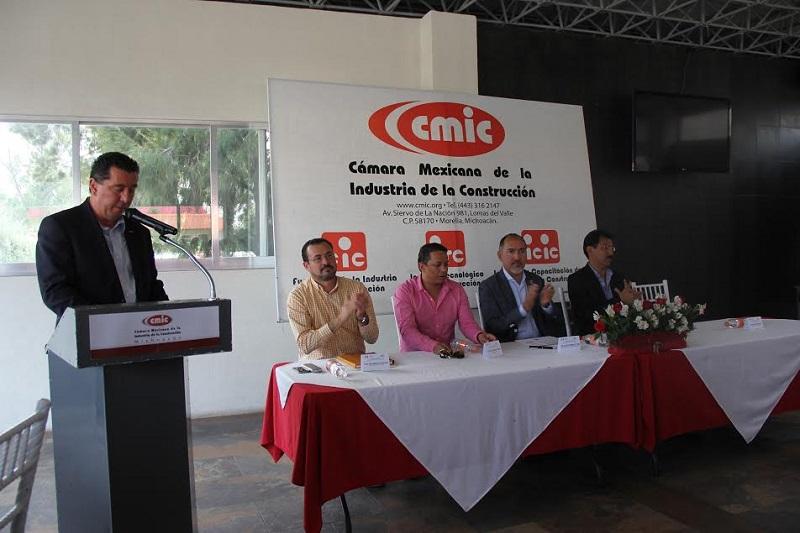 Jorge Tovar Zavala señaló que la Comisión Mixta fue impulsada a raíz de la inquietud que existe en este gremio sobre la poca actividad que a la fecha se ha registrado en materia de obra pública