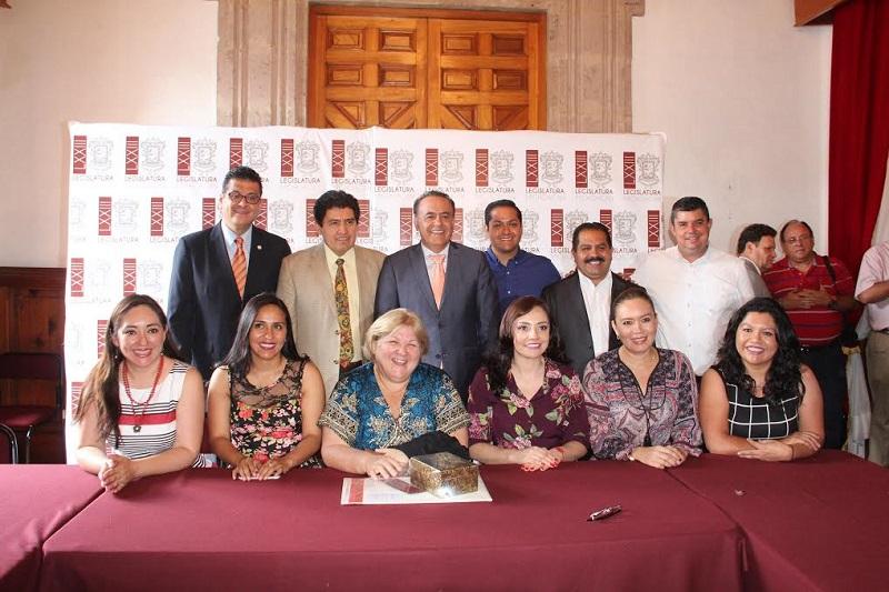 La conferencia que fue impartida por Aleida Guevara March, hija de Ernesto Guevara