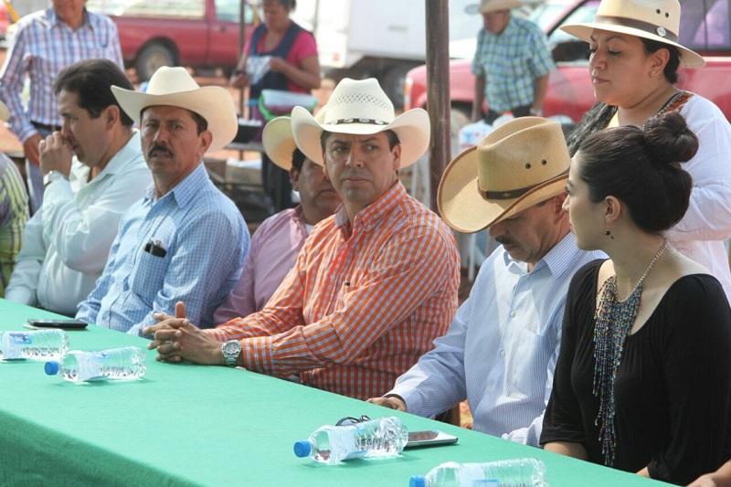 García Conejo destacó el potencial en producción de lácteos que tiene el municipio de Maravatío para mejorar sus economías