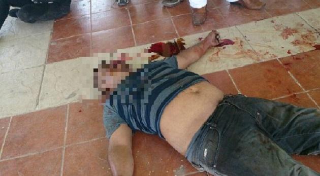 Según información del gobierno del Estado de México, uno de los sujetos murió en el lugar a causa de los golpes, y la mujer falleció mientras era trasladada al hospital