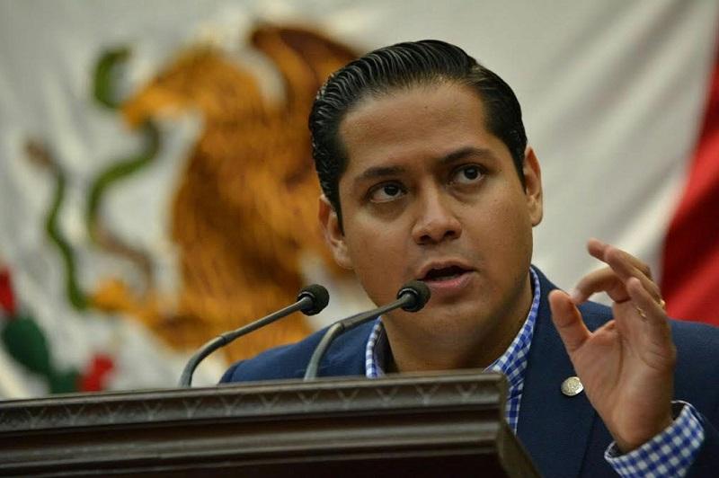 """No se pretende un proteccionismo económico radical hacia los empresarios michoacanos; sin embargo, dijo, dadas las circunstancias críticas que enfrenta el estado, si se requiere """"creer y respaldar a nuestra gente"""": Daniel Moncada"""
