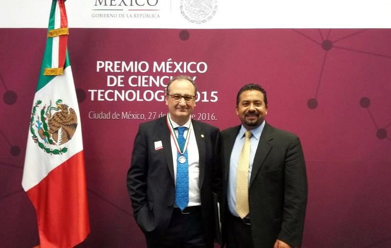 José Luis Montañez invitó a los galardonados a impartir conferencias en el estado