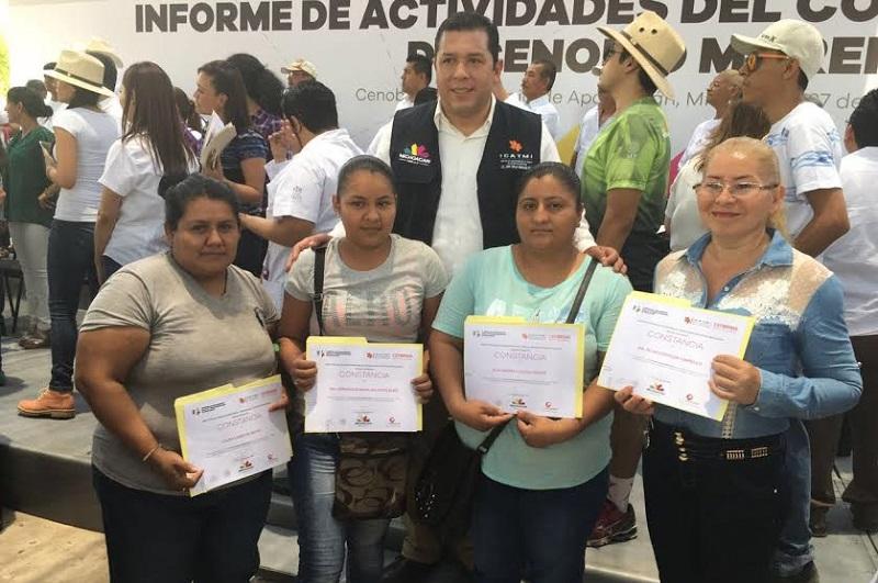 El curso se impartió a 32 mujeres de Cenobio Moreno y 52 de Úspero, quienes además recibieron información de la Secretaría de Igualdad Sustantiva sobre el programa Palabra de Mujer