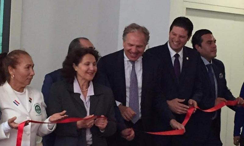 Martínez Alcázar comentó ante empresarios holandeses el gran número de universidades públicas y privadas con las que cuenta el municipio, lo que ofrece toda una gama de posibilidades de obtener mano de obra especializada