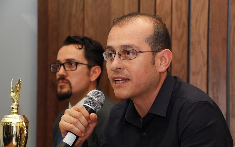 Hinojosa Pérez hizo un llamado al Ejecutivo Federal para que se establezcan los criterios necesarios para que las empresas constructoras y proveedores michoacanos sean quienes se beneficien y verdaderamente se genere movilidad