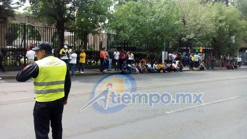 Los manifestantes arribaron al lugar poco después de las 9:00 horas, la vialidad quedó libre alrededor de las 11:15 horas (FOTO: MARIO REBO)