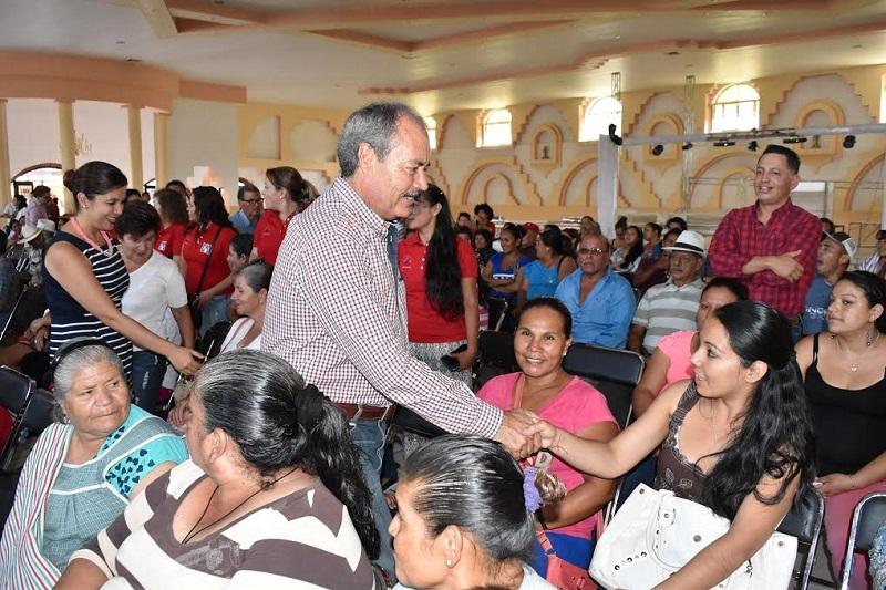 Silva Tejeda escuchó y exhortó a los presentes a dialogar en sus comités municipales