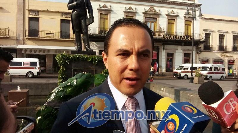 Ávalos Plata indicó que se analizan dos sitios para la reubicación de los mariachis, la Plaza Carrillo y la Plaza del Carmen (FOTO: MARIO REBO)