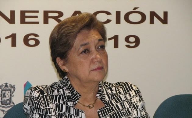 Ante directivos, trabajadores y alumnos del IMCED, Silvia Figueroa puso de manifiesto que la institución abre ahora un nuevo sendero con su doctorado