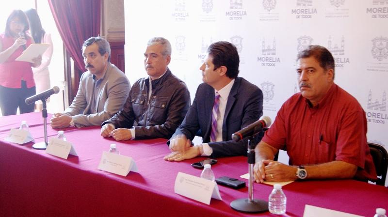 El convenio fue firmado por el gerente estatal de la Conafor, Osvaldo Fernández Orozco; el director general de la Cofom, Roberto Pérez Medrano; y el presidente municipal de Morelia, Alfonso Martínez Alcázar