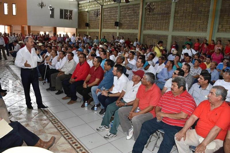 """""""Necesitamos gente comprometida con el partido para llegar juntos al 2018. Todos tenemos que abonar a la reconstrucción del tricolor"""": Silva Tejeda"""