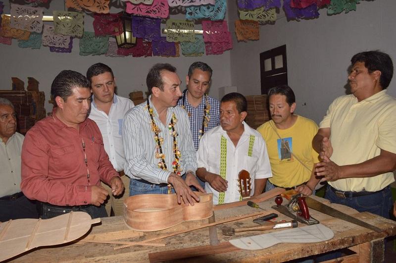 Productores y artesanos de Morelia, Tlalpujahua, Pátzucaro y Paracho han sido beneficiados