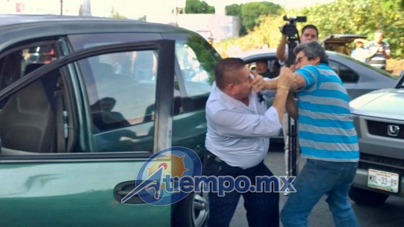 Algunos de los manifestantes se encuentran sumamente agresivos, lo mismo que algunos desesperados automovilistas (FOTO: FRANCISCO ALBERTO SOTOMAYOR)