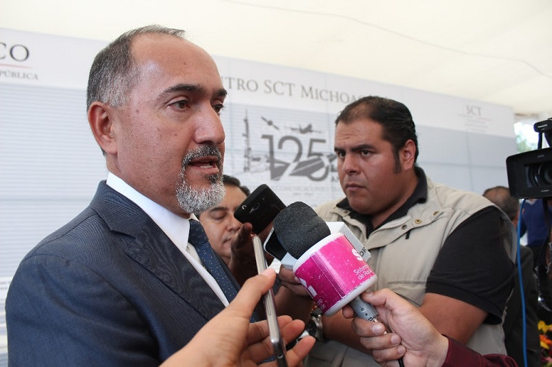 Domínguez López recordó que la SCOP invertirá mil 693 millones de pesos en el transcurso de esta anualidad, integrado por fondeos de distinta índole, tanto estatales como federales