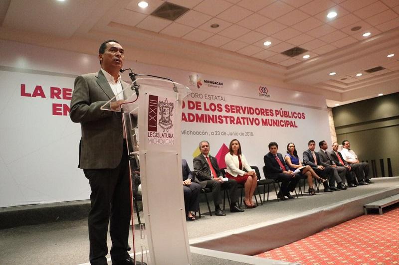 El encargado de la política interna destacó la actitud de coordinación entre las diferentes ramas del poder público de Michoacán, el Congreso del Estado actuando en sintonía con el Ejecutivo estatal