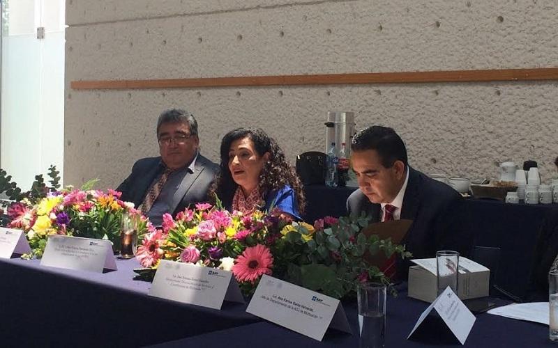 La comunicación es un ejercicio interactivo en donde ambas partes, autoridad fiscal y contribuyente, logran acuerdos para el cumplimiento de obligaciones tributarias: Hernández Silva