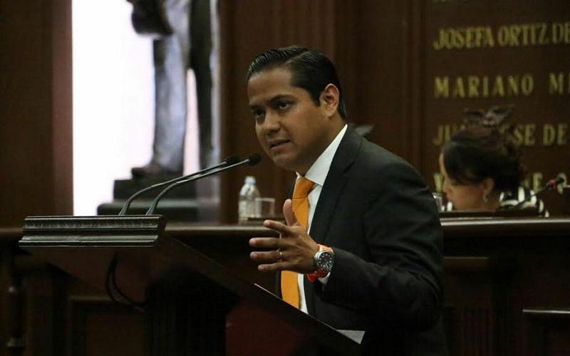 Apostar a nuestros jóvenes y a su desarrollo es apostar a que Michoacán recupere su grandeza, remarcó Moncada Sánchez