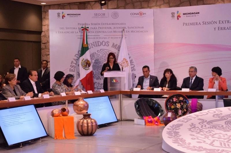 Alanís Sámano, reconoció que la AVGM, representa una oportunidad para involucrar a los tres niveles de gobierno en la solución al fenómeno de la violencia hacia las mujeres, en todos sus aspectos