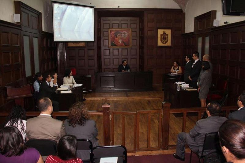 El asesor en litigio oral de la Facultad de Derecho y Ciencias Sociales, Marco Antonio Tinoco Álvarez es doctor en Ciencias por el Centro de Investigación y Desarrollo del Estado