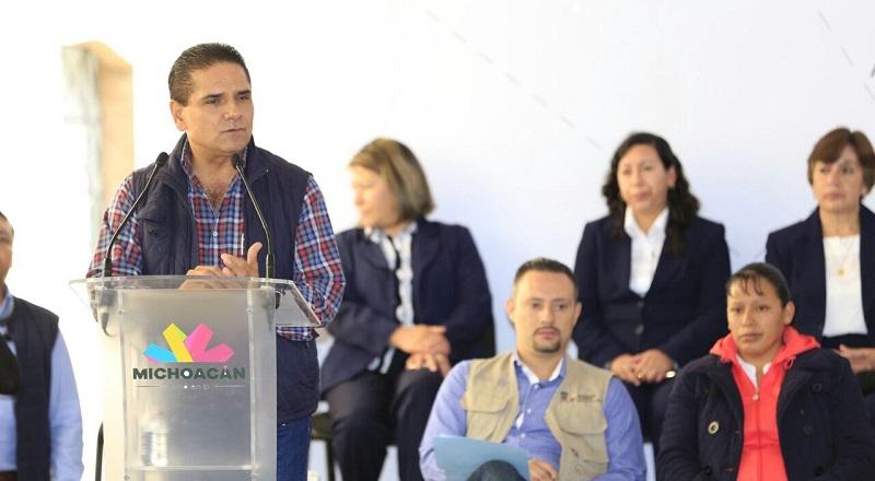 En gira de trabajo, Aureoles Conejo supervisó obra pública en el municipio de Senguio