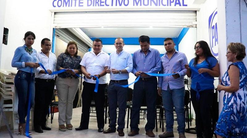 Habitantes de Lázaro Cárdenas podrán acudir a la nueva sede del partido en el puerto para beneficiarse de los programas implementados por el albiazul
