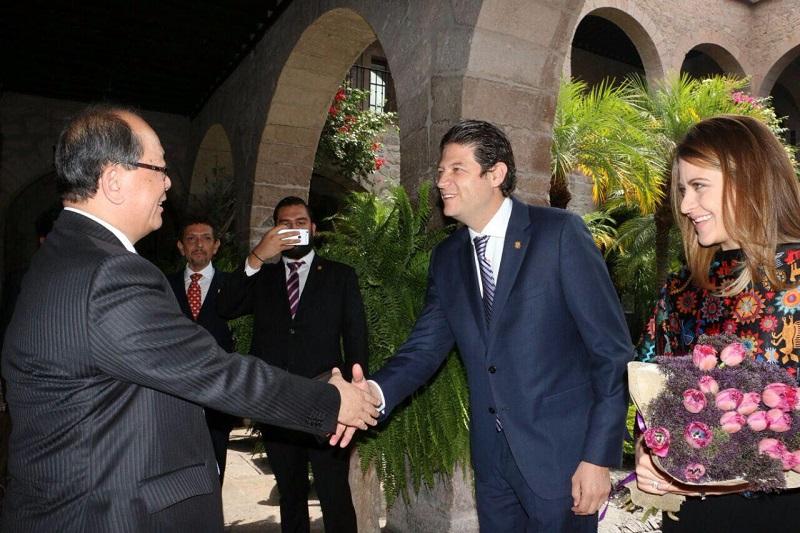 A lo largo de la visita de la comitiva china, se mostró a los asiáticos las ventajas comerciales con las que cuenta, no solo Morelia, sino la región completa, aseguró el edil